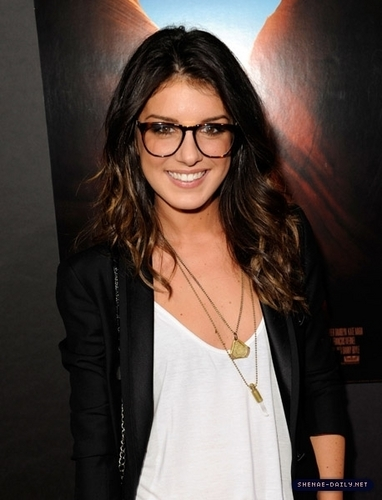 Shenae Grimes - liam-and-annie Photo