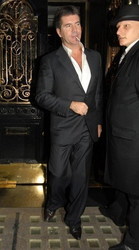 Sir Philip Green And Simon Cowell Having 晚餐 At Scotts