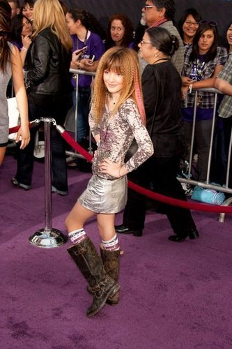 We Love Bella Thorne!!!!!