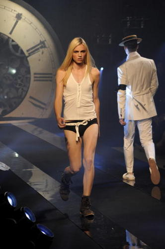 andrepejic_ catwalk - andrej-pejic Photo