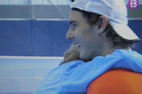 rafa nadal kisses with child