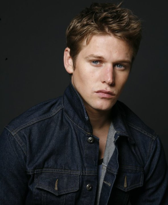 Zach Roerig - Images Gallery