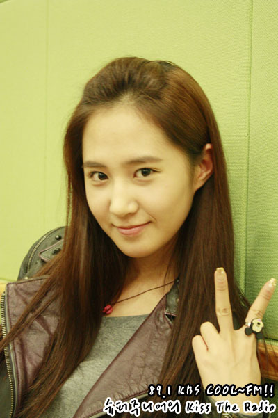 yuri-kbs kiss the radio - Girls Generation/SNSD 400x601