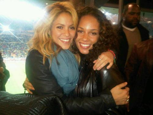 シャキーラ and Alicia Keys