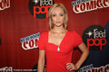 ''V'' Cast | 2010 NY Comic Con