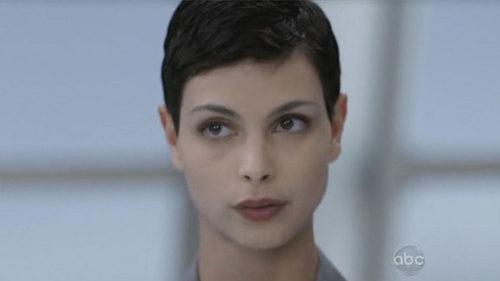 Anna (Morena Baccarin)