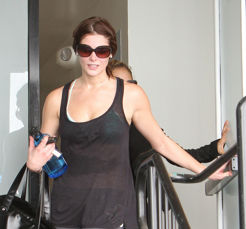 Ashley and Nicole Richie at their local gym in Los Angeles - November 6, 2010