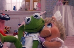 Baby Kermit and Piggie