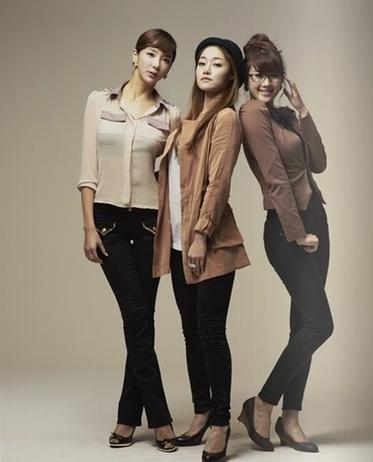 Bini, Sera, Hyuna
