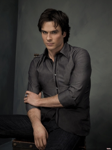 ডামন্ স্যালভ্যাতরে দেওয়ালপত্র possibly with a sign and a well dressed person titled Damon Salvatore - Photoshoot (HQ)