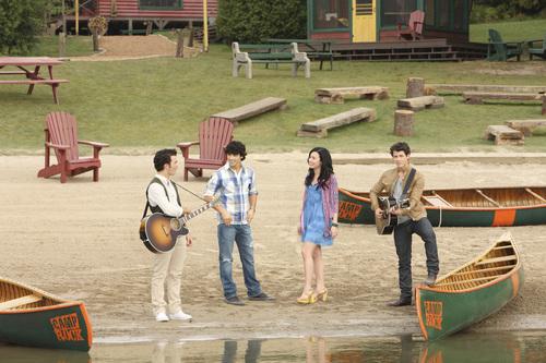 Demi Lovato - Camp Rock 2: The Final jam, jamu promoshoot (2010)