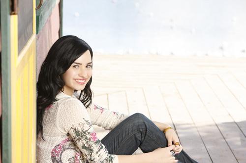 Demi Lovato - Camp Rock 2: The Final jam promoshoot (2010)