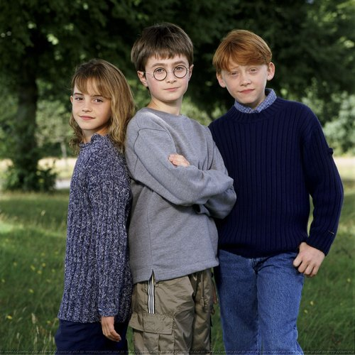 Emma Watson - Photoshoot #001: Harry Potter launching (2000)