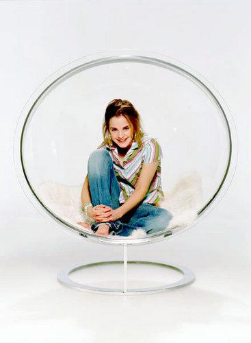 Emma Watson - Photoshoot #018: pink (2004)