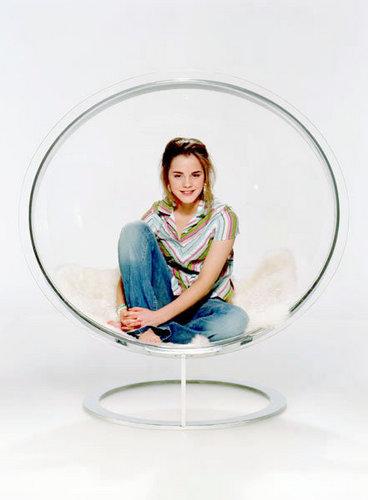 Emma Watson - Photoshoot #018: màu hồng, hồng (2004)