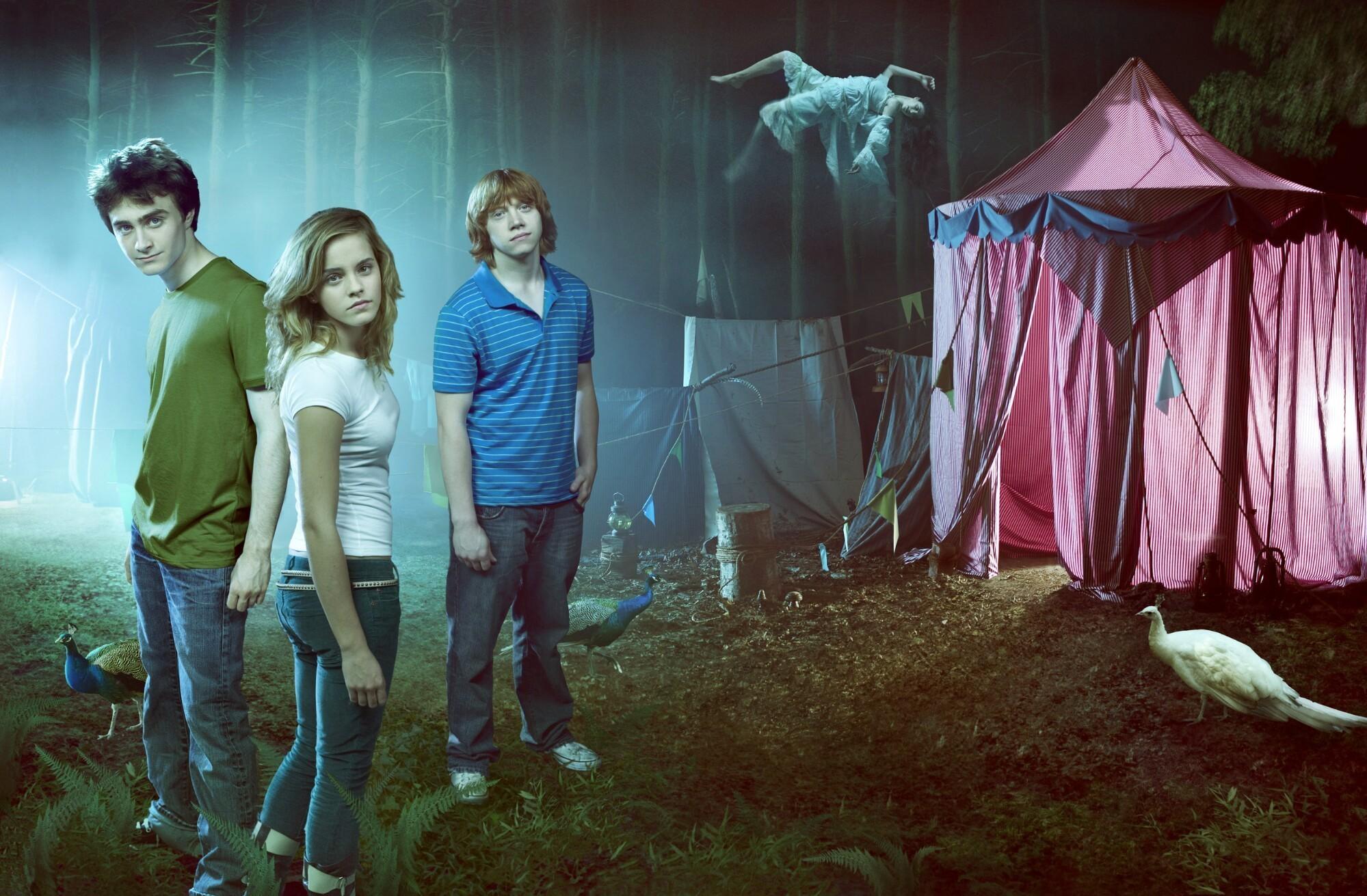 Emma Watson - Photoshoot #021: Entertainment Weekly (2005)