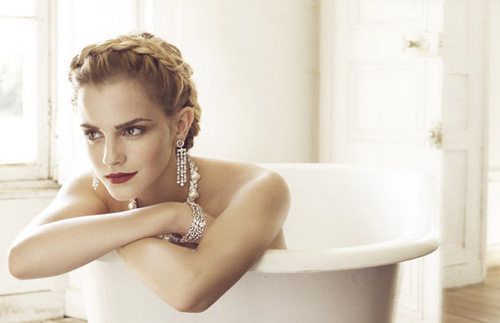 Anichu90 wallpaper containing a hot tub and a bathtub entitled Emma Watson - Photoshoot #042: Vogue Italia / Mark Seliger (2008)