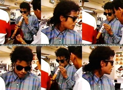 I LOVE u MICHAEL!!