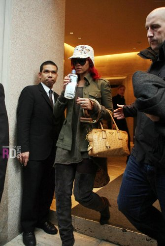 Leaving her hotel in Milan, Italy - November 9, 2010