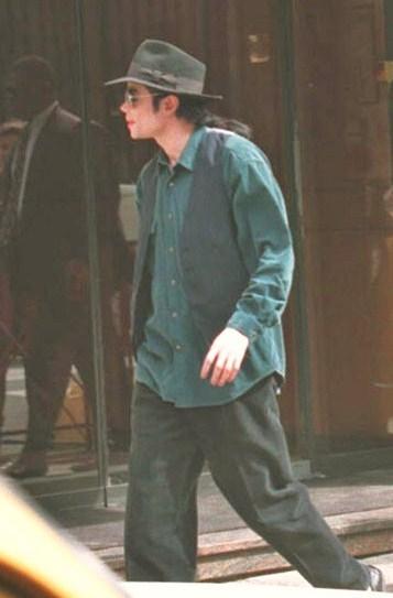 MJ in Paris