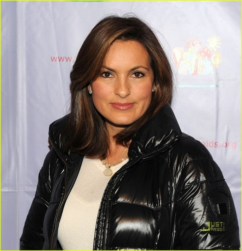 Mariska Hargitay: Kids for Kids Event with August!