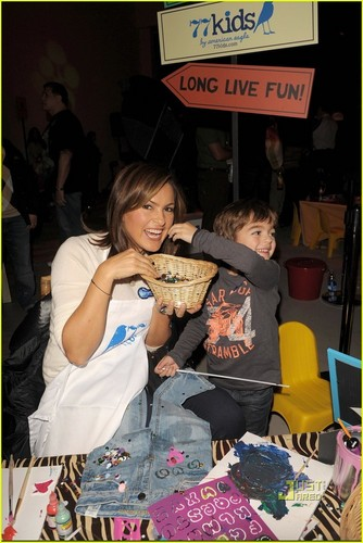 Mariska Hargitay: Kids for Kids Event with August! - mariska-hargitay Photo