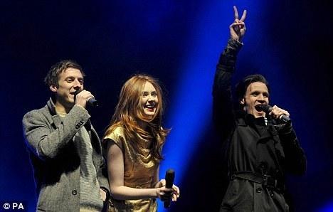 Matt,Karen & Arthur turn on Cardiff xmas lights
