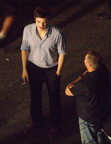 更多 Pictures of Rob on 'Breaking Dawn Part 1' Set