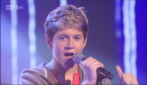 "Niall Week 3 Singing ""Nobody Nows"" :) x"