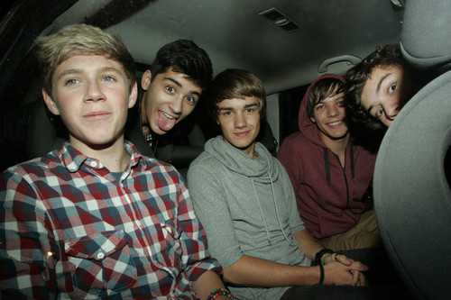 ONE DIRECTION! :D