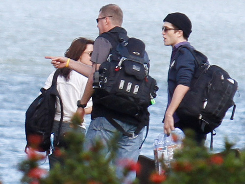 On set 'Breaking Dawn : Part 1' - 08.11.10