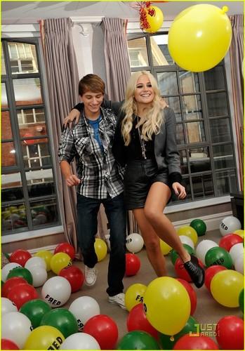 Pixie Lott & Lucas Cruikshank: Fred Friends