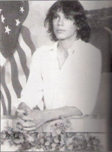 [Image: Richard-Ramirez-age-15-serial-killers-16...63-625.jpg]