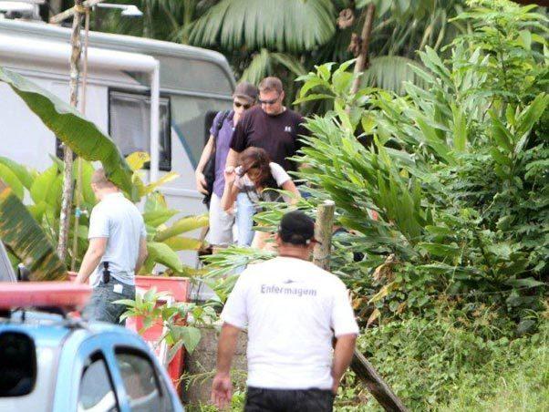 Robert Pattinson & Kristen Stewart are ready to waterfall......