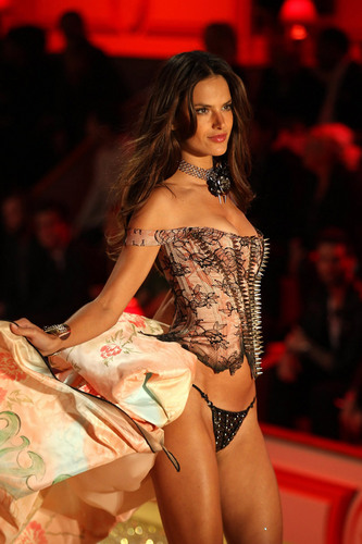 Victoria's Secret Fashion Zeigen 2010