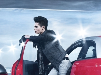 Tokio Hotel 壁纸 possibly with an automobile and a 微型车, minicar, 微型汽车 entitled 2010 - 奥迪 A1 Photoshoot