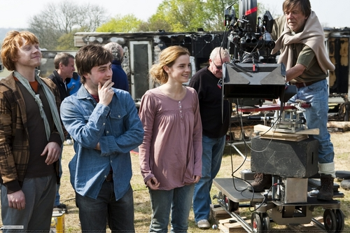 daniel radcliffe fondo de pantalla possibly with a fuego titled Behind the scenes HQ