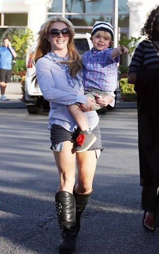 Britney & Jayden James out in Calabasas