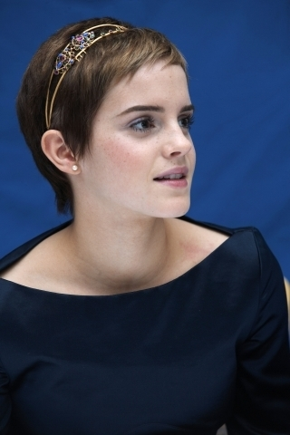 Emma @ DH1 Londres Press Conference., 13.11.2010 MQ