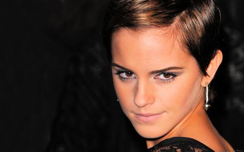 Emma Watson aka Hermione HP7 Premier वॉलपेपर्स