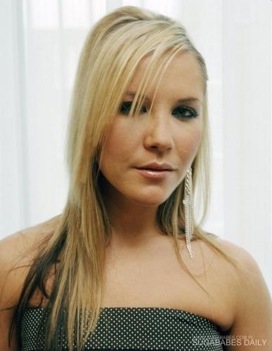 Heidi Range - 'In the Middle' Promos