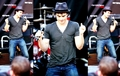 Ian doing the Damon dance!