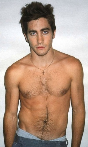Jake Gyllenhaal wallpaper possibly containing a hunk, a six pack, and skin called Jake Gyllenhaal