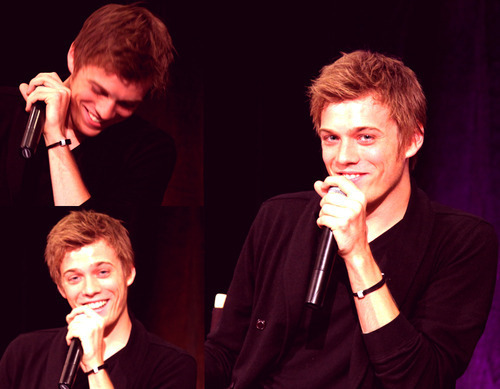 Jake Abel wallpaper with a concert entitled Jake
