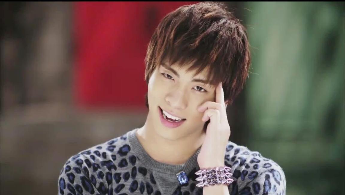 Shinee images Jonghyun-Hello HD wallpaper and background ... Shinee Taemin Hello