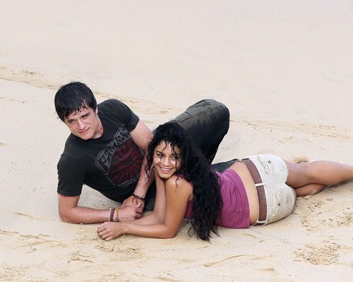 Josh Hutcherson wallpaper probably with skin entitled Josh with Vanessa on set of Journey 2: The Mysterious Island :)