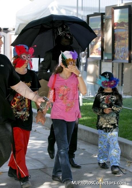 MJ and kis 2009
