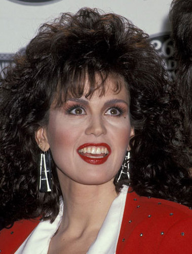 Marie Osmond wallpaper probably containing a portrait titled Marie Osmond