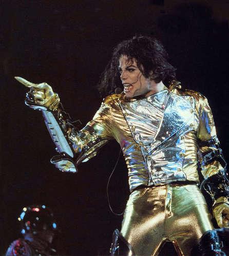 Michael Performing