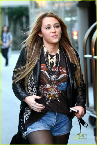 Miley out in New York
